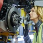 UK economy returns to growth but slowdown fears persist
