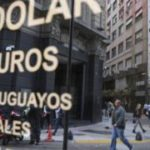 Argentina imposes currency controls to support economy