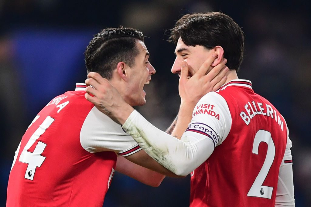 Hector Bellerin 'eager to test himself' away from Arsenal amid PSG interest